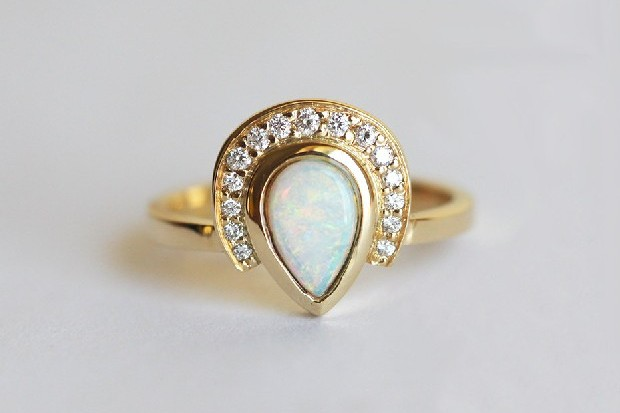modern-stylish-engagement-ring-etsy-opal-diamond-minimalvs