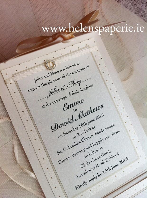 polka-dot-pocket-wedding-invite-helen's-paperie