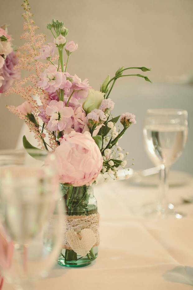 pretty-vintage-country-style-pastel-wedding-centerpiece-flower-display-twine