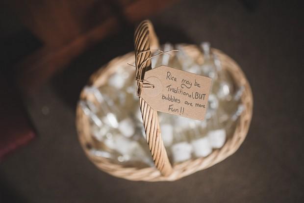 sign-for-bubbles-confetti-ceremony-guest-basket