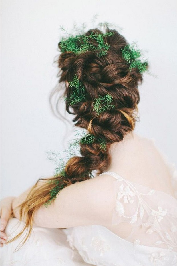 summer-bridal-hair-styles-braid-leaves