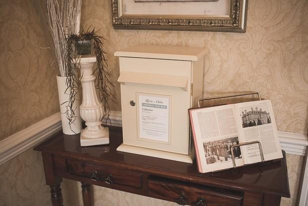 vintage-decor-wedding-card-letterbox-summerhill