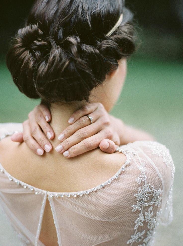 vintage-roll-wedding-hair-dark