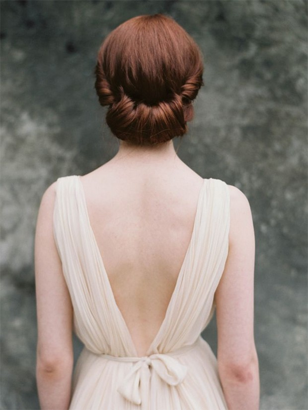 wedding-hair-styles-summer-rolled-vintage-style-low-up-do