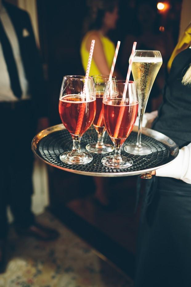 wedding-reception-drinks-served