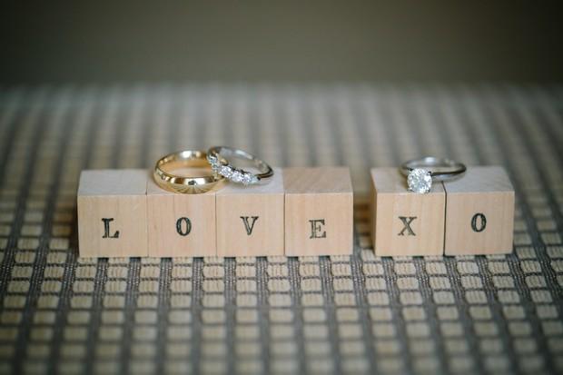 wedding-ring-photo-wooden-love-blocks