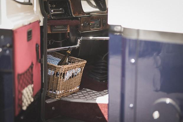 wine-basket-vintage-wedding-bus-car