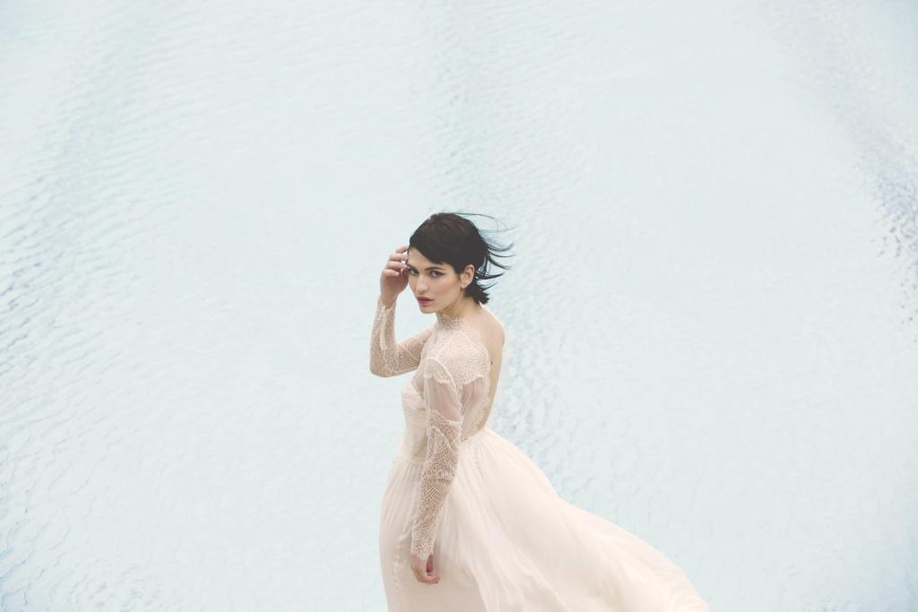 Elise-Hameau_contemporary_effortless_wedding-dresses