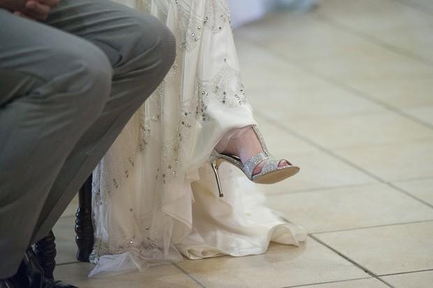 bride-in-jenny-packham-nicole-dress (2)
