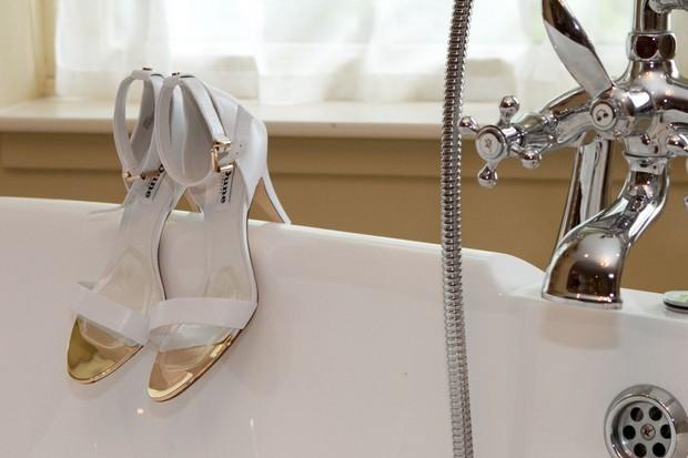 dune-wedding-shoes-bride's-wedding-shoes