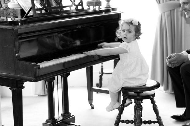 flower-girl-playing-piano-wedding-kerry