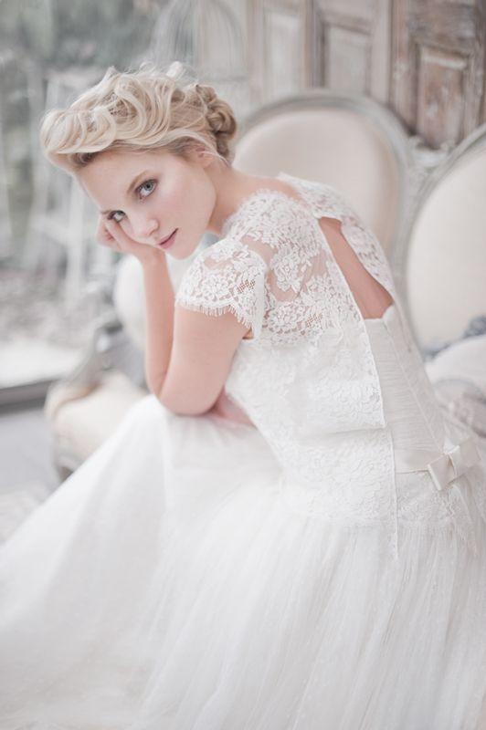 vestido-de-novia-frances-diseñador-Fabienne_Alagama_2014_lace