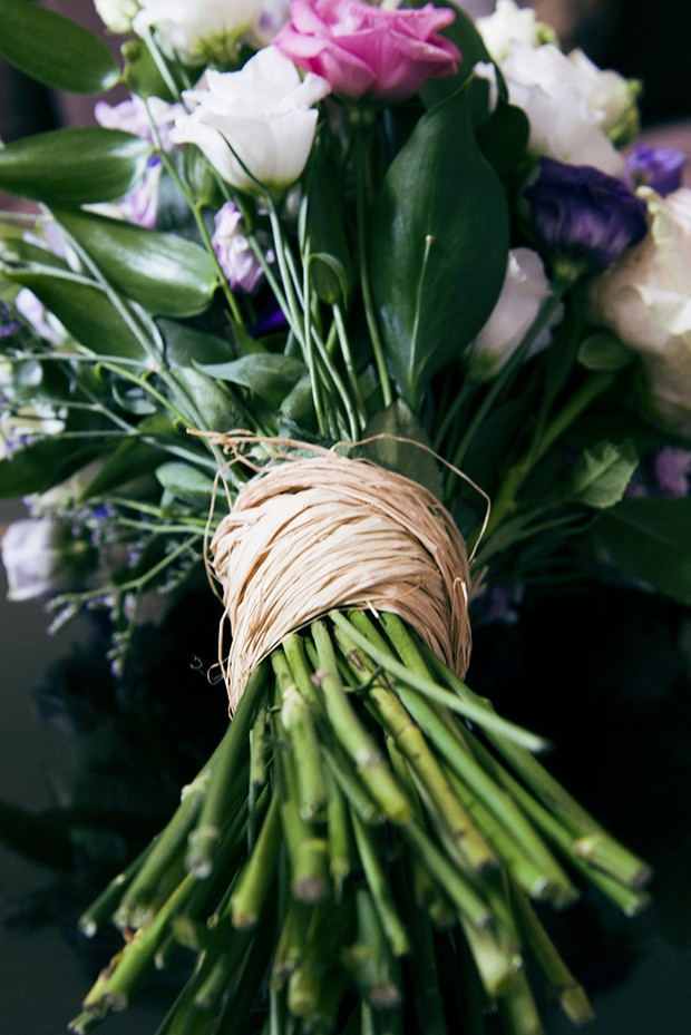 hand-tied-rustic-wedding-bouquet-twine