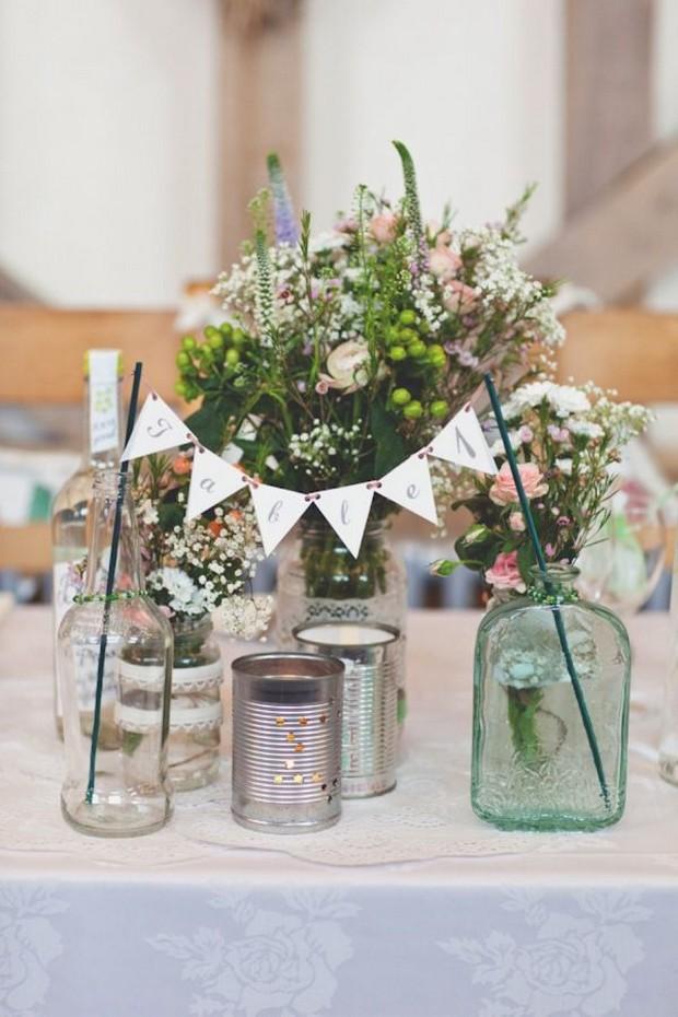 23 stunning rustic wedding centrepieces weddingsonline rustic mason jar wedding centerpiece 2 junglespirit Gallery