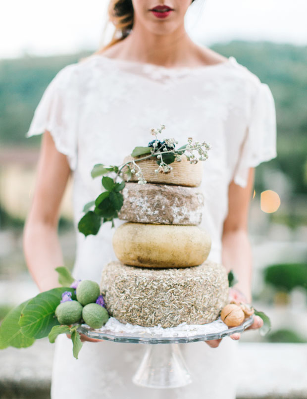 rustic-wedding-cheese-cake
