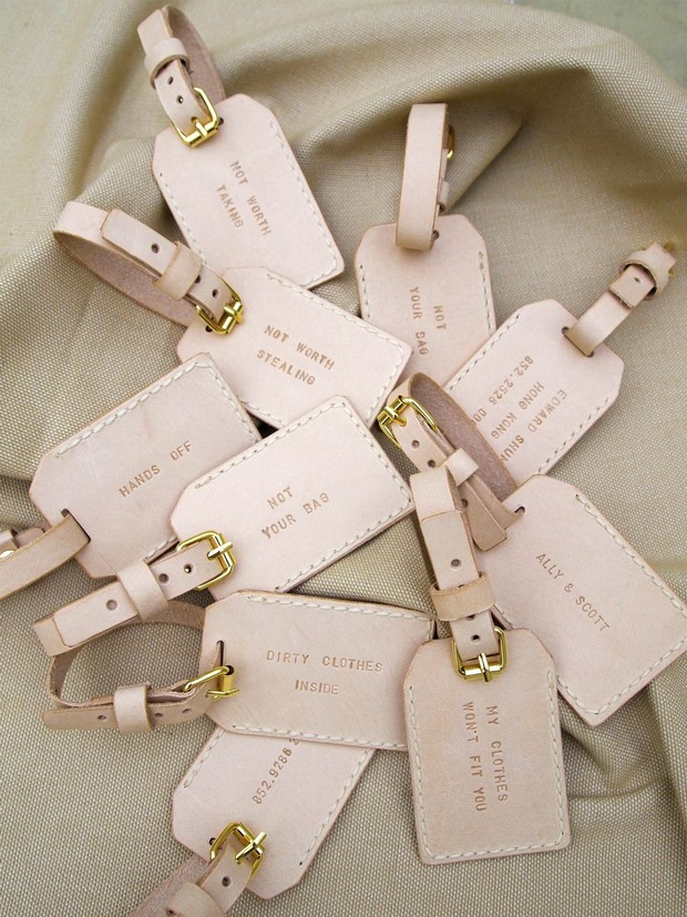 travel-theme-wedding-favors-luggage-tags