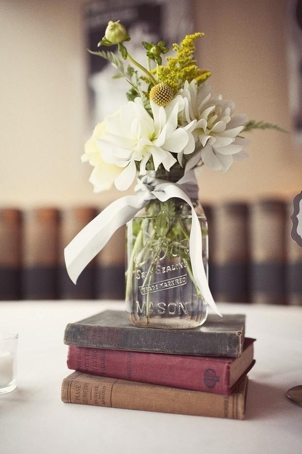 23 stunning rustic wedding centrepieces weddingsonline vintage wedding centerpiece ideas books mason jar junglespirit Gallery