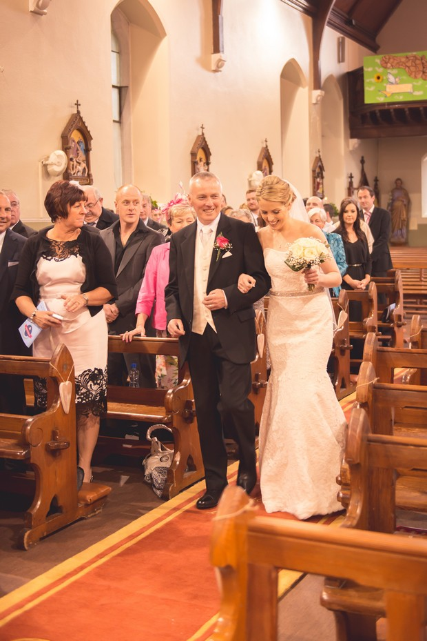 bride-father-walking-up-aisle-church-wedding (5)