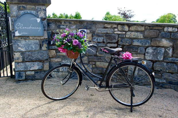 clonabreany-house-real-wedding_decor-bicycle
