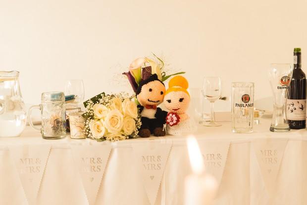 fun-wedding-cake-display-table