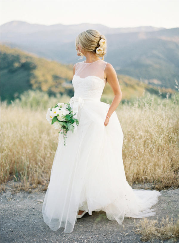 grace-monique-lhuillier-wedding-dress-real-smp