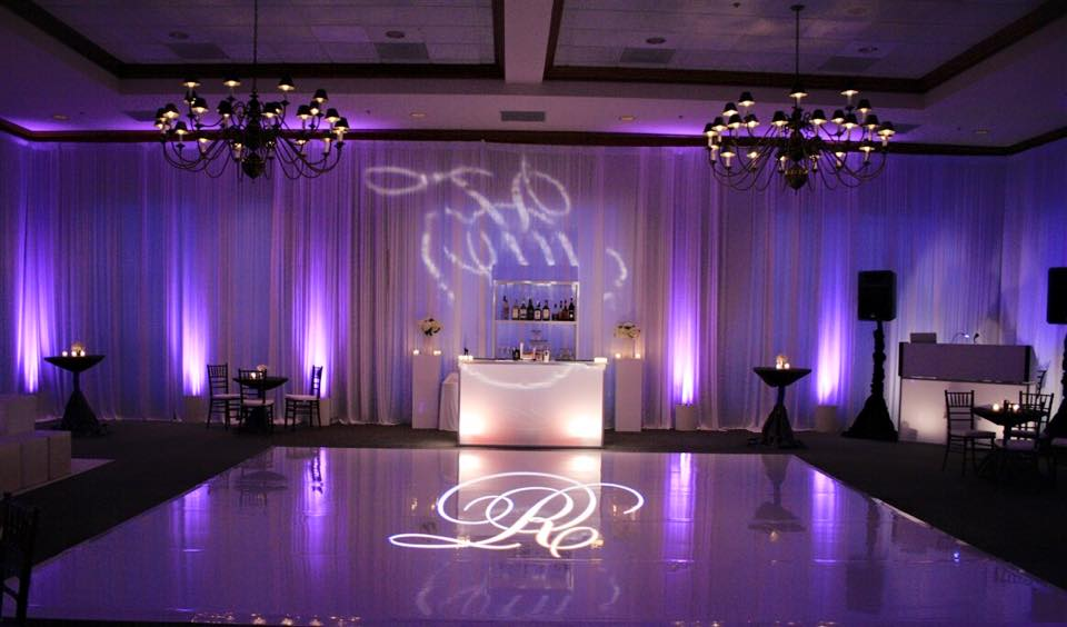 illuminated-monogram-wedding-decor-hire-sparkledancefloor
