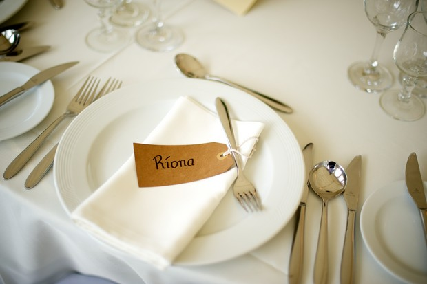 kraft-paper-wedding-tag-place-setting
