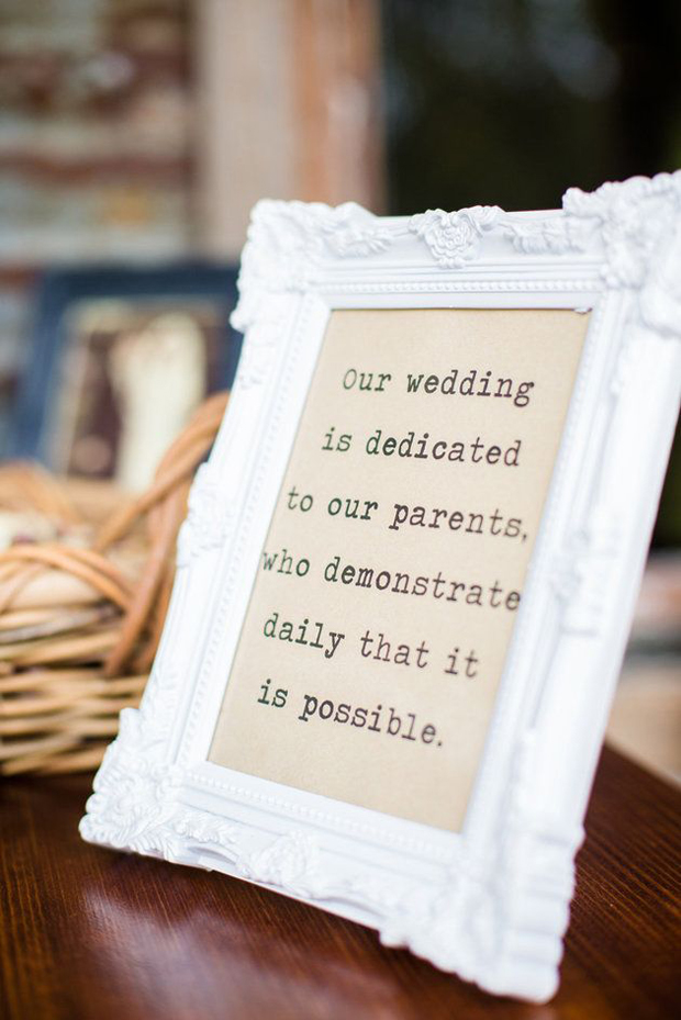 16 Adorable Wedding Signs You'll LOVE