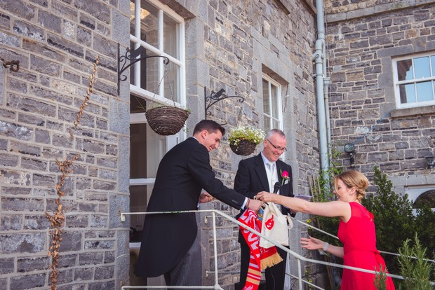outdoor-wedding-speeches-set-up (3)