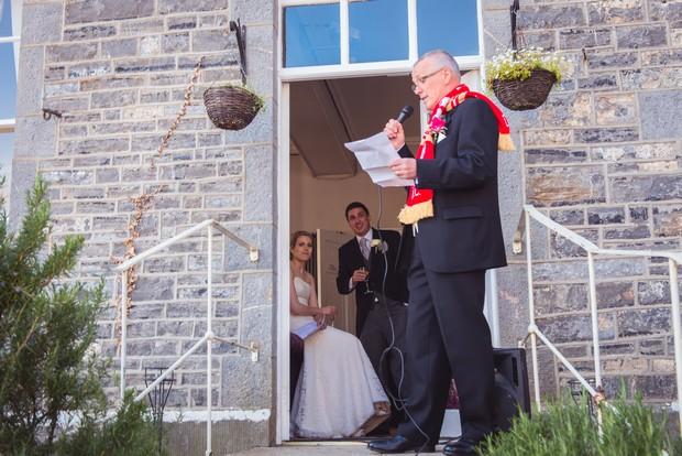 outdoor-wedding-speeches-set-up (4)