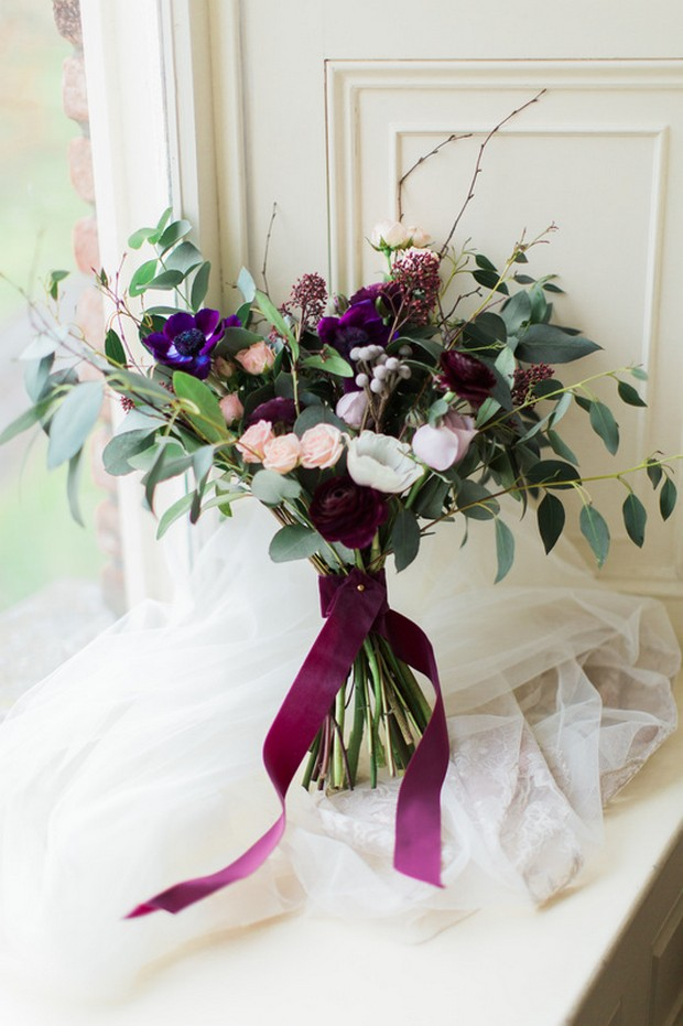 22 Incredible Autumn Wedding Bouquets you\'ll LOVE | weddingsonline