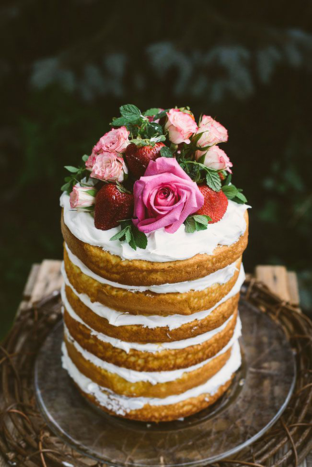 rustic-one-tier-naked-wedding-cake