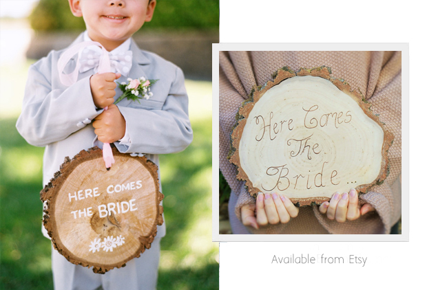 tree-slice-here-comes-the-bride-sign