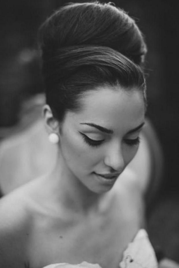 vintage-style-bride-look-high-hair