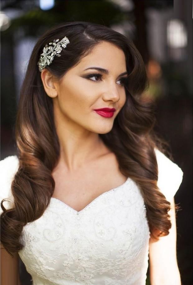 vintage-style-wedding-hair-down