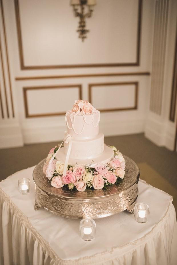 wedding-cake-real-wedding-powerscourt-hotel