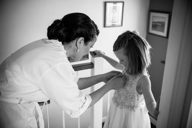 1-getting-ready-wedding-morning-bride-house (2)