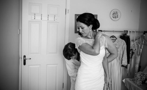 1-getting-ready-wedding-morning-bride-house (3)
