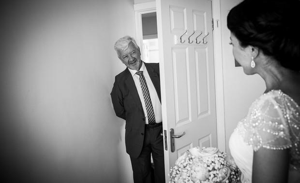 1-getting-ready-wedding-morning-bride-house