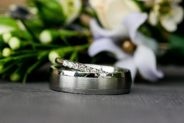1-his-and-her-wedding-rings-white-gold