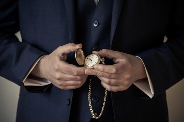 10-groom-accessories-pocket-watch-vintage