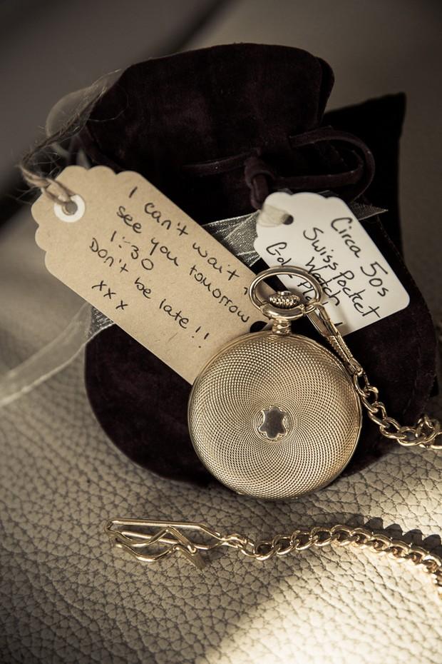 12-brides-gift-to-groom-vintage-pocket-watch