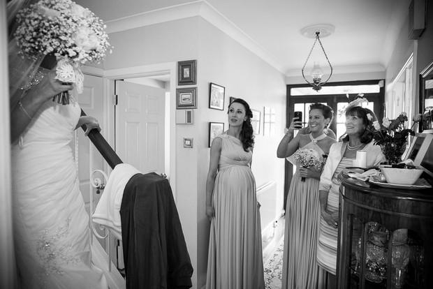 2-getting-ready-morning-wedding