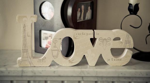 2_love_sign_paris_wedding