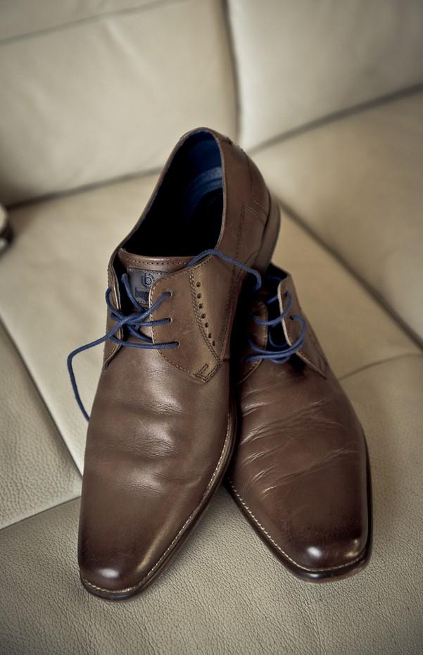 9-groom-shoes-bugatti