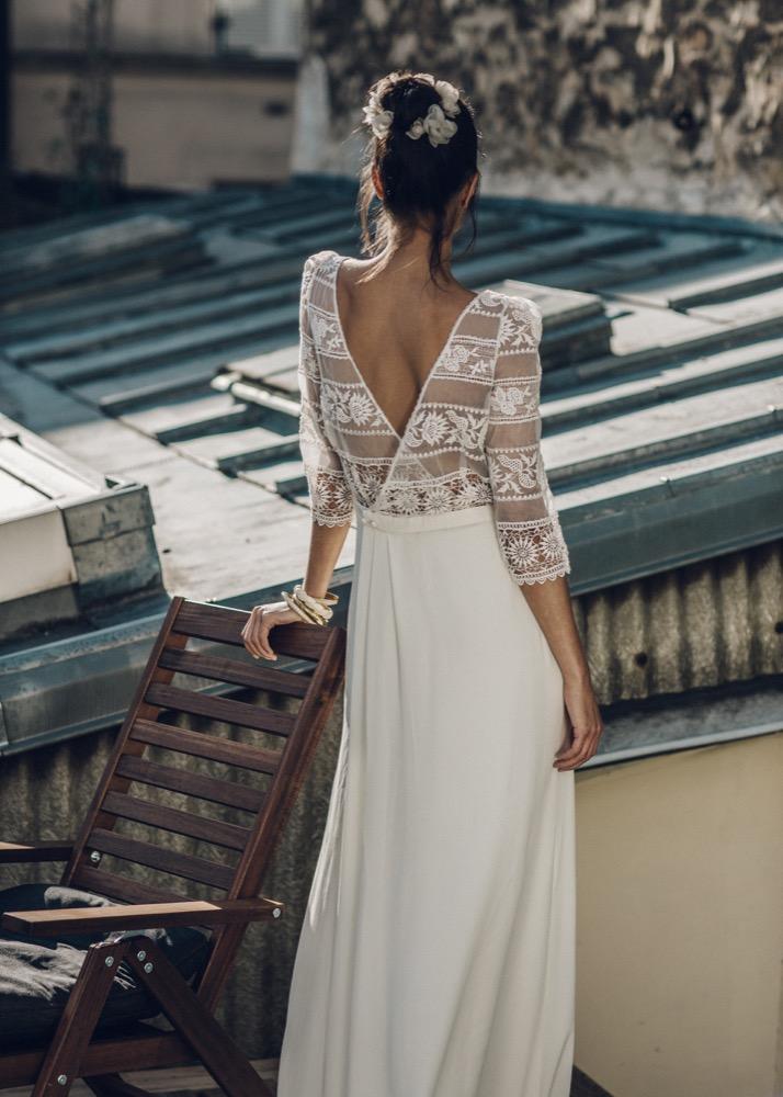 Vestido-de-novia-de-manga-larga-adornado-Laure-de-Sagazan
