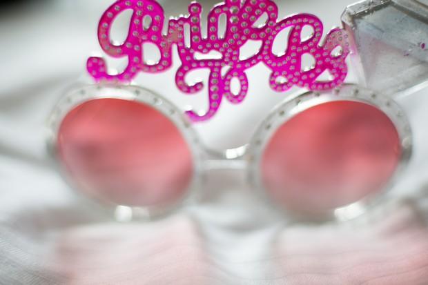 fun-hen-props-sunglasses-bride-to-be