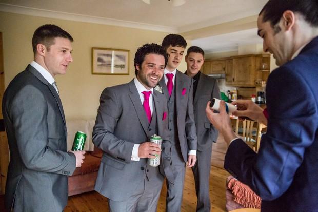 groomsmen-getting-ready-gifts-cufflinks (2)