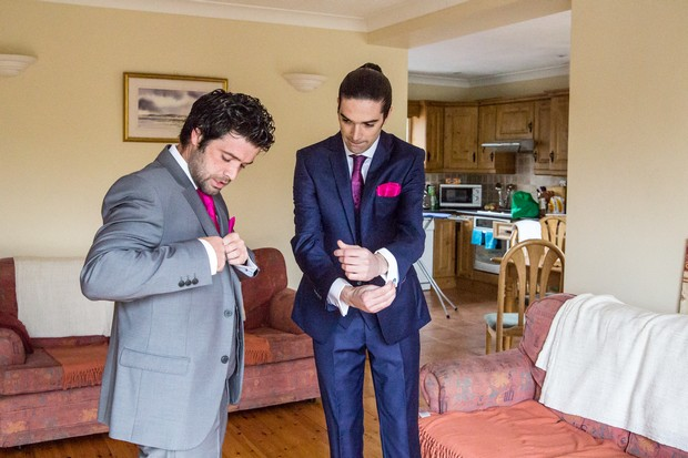 groomsmen-getting-ready-gifts-cufflinks (3)