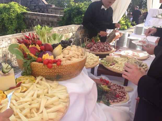 lisa-cannon-real-wedding-Italy-food
